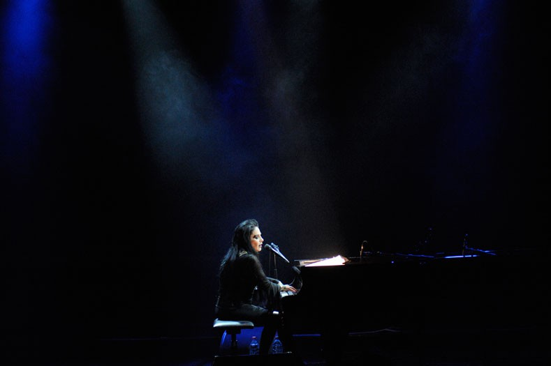 http://www.laetitiagessler.com/files/gimgs/th-12_Diamanda-Galas2.jpg